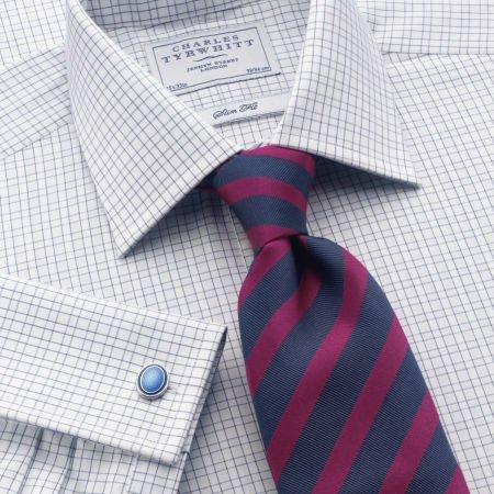 patratele cu dungi asortează cravata cămașă