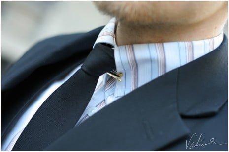 Acul pin pentru gulerul de cămașă