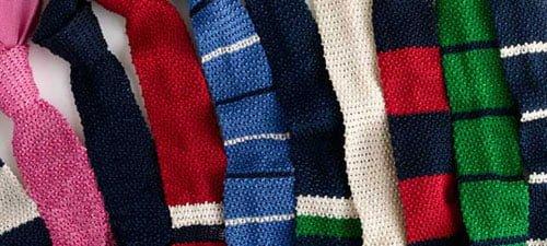 De ce e versatilă cravata tricotată din mătase