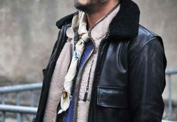 Cum se îmbracă bărbații din Paris