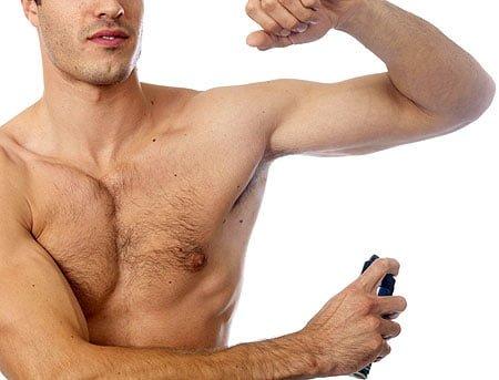 STR8 deodorantul
