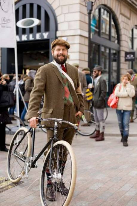 Rugby Tweed Run