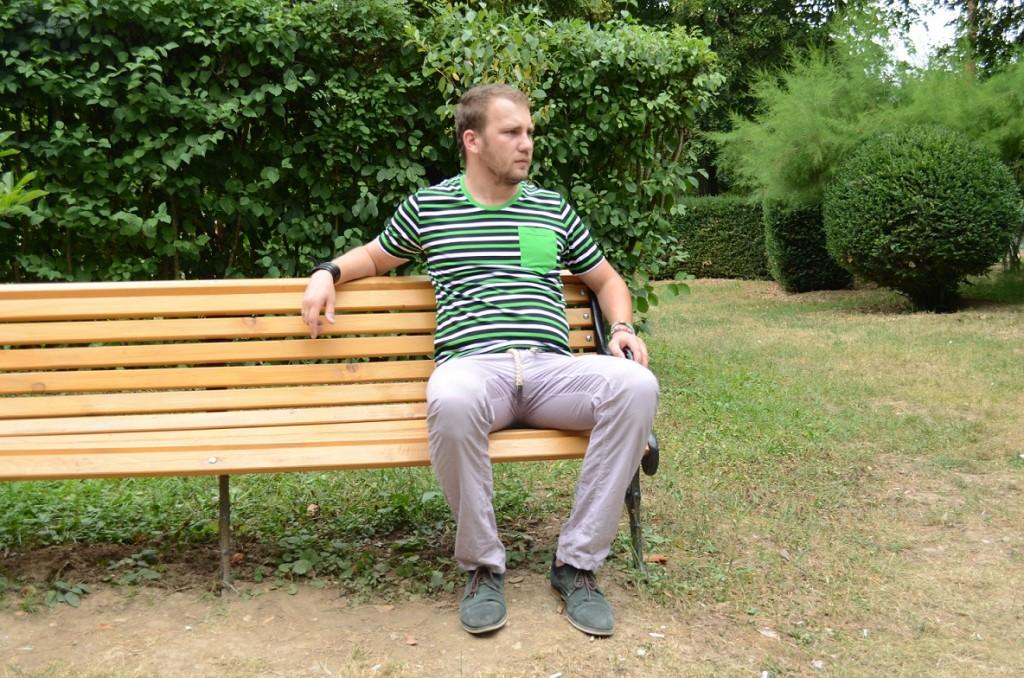 tricou cu buzunar verde