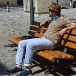 Pantalonii de vară și tricoul henley