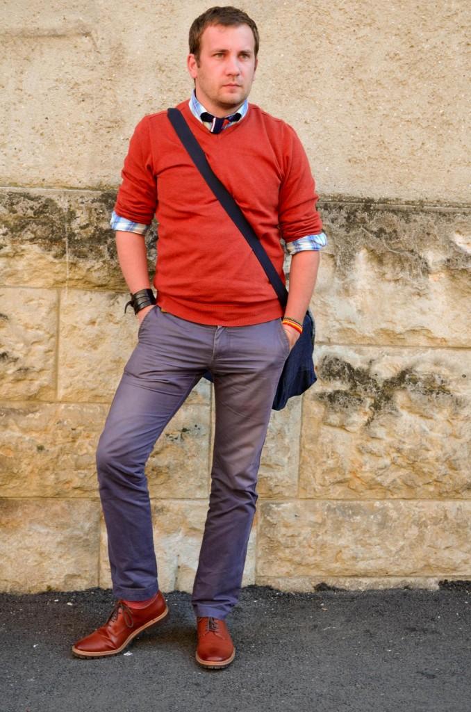 Pulover portocaliu, pantaloni bleumarin, chino, geanta, Debenhams