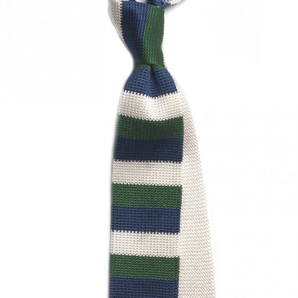 Cravata cu dungi albe, verzi si albastre