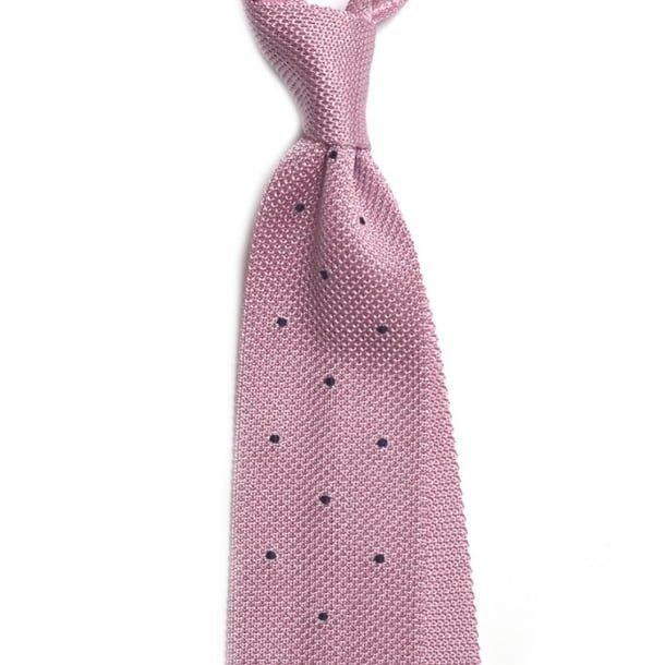 cravata roz tricotata din matase