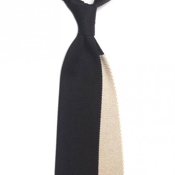 cravata neagra tricotata din matase