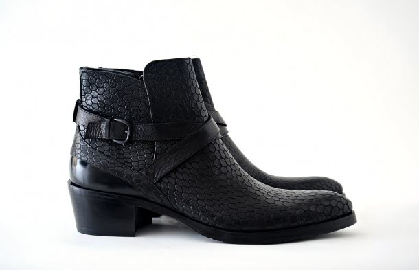 Ghete Karl Lagerfeld, 2295 lei, disponibile la EGO Men`s Fashion Concept