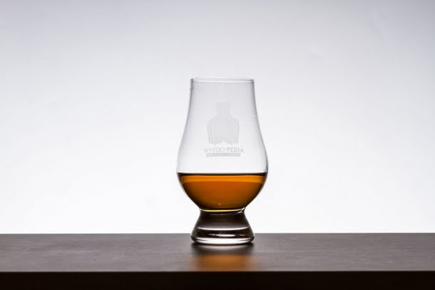 WHISKY GIVE 2