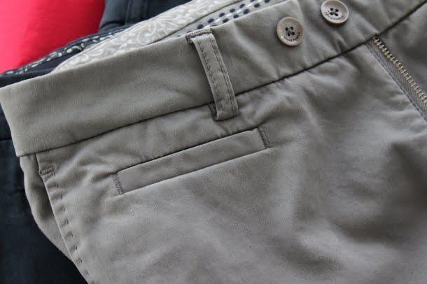 pantaloni cu gaica