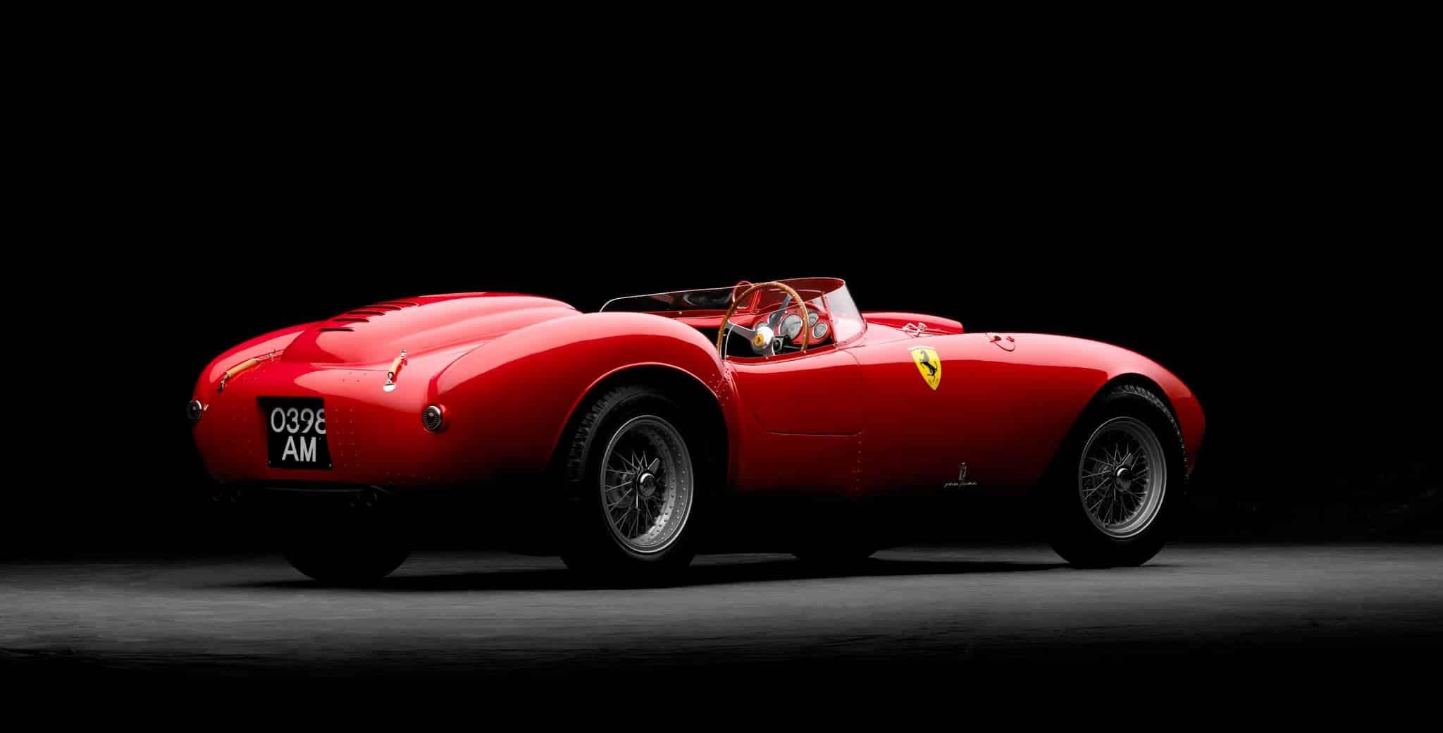 Modelul Ferrari 375 Plus, ce costă 13,4 milioane de euro.