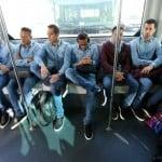 Fotbaliștii Barcelonei, uniformizați în denim