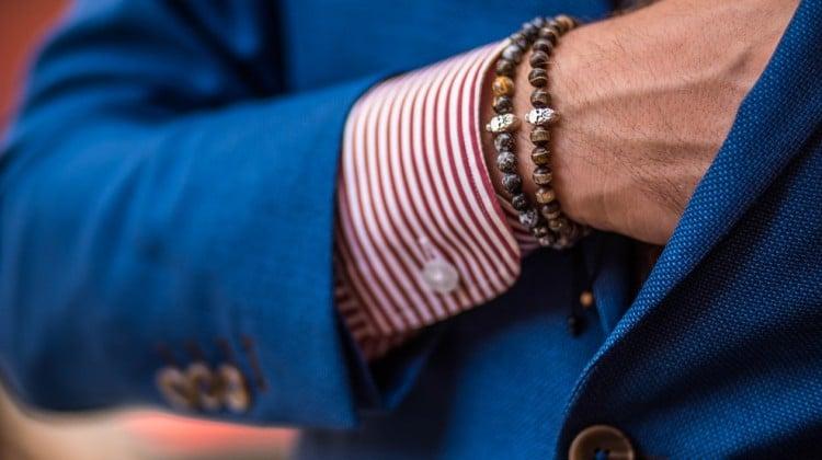 Cum poți purta brățările pentru bărbați