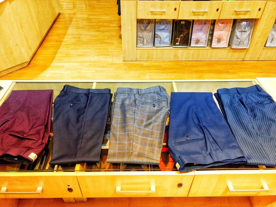 perechi de pantaloni