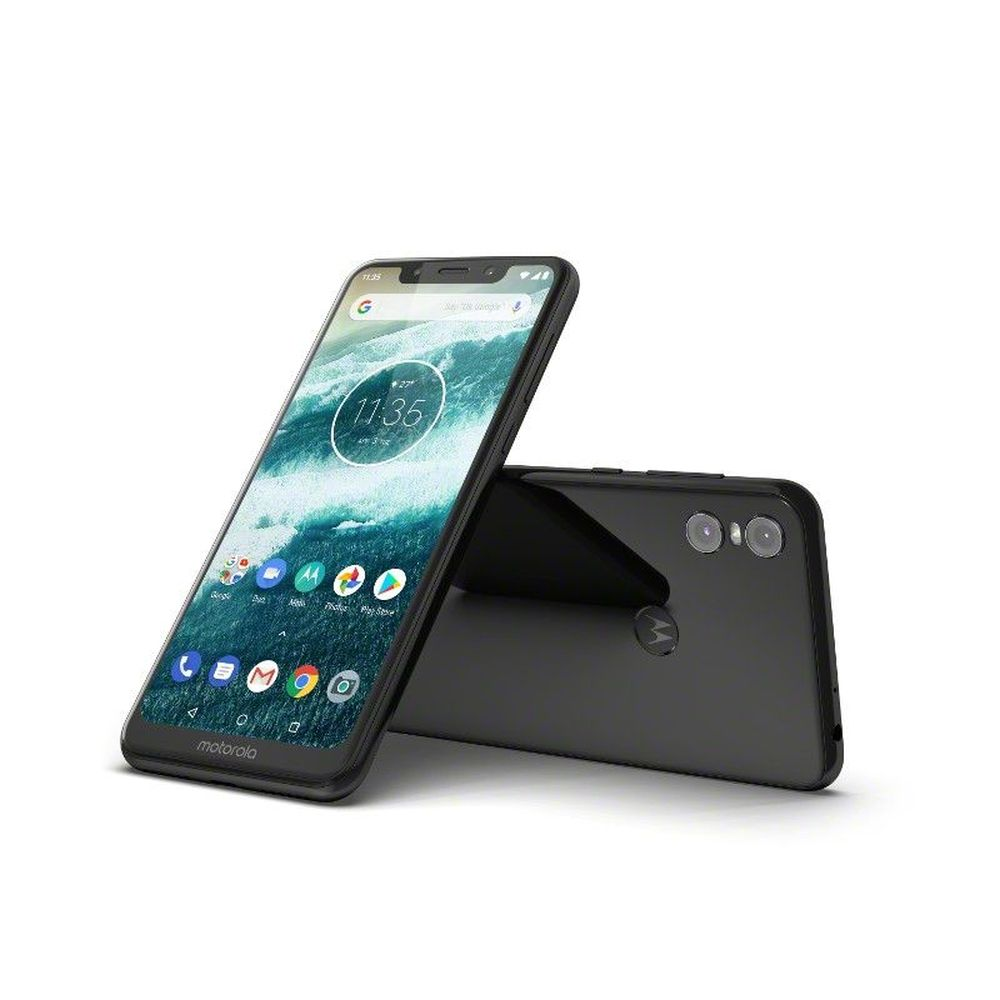 Motorola one este disponibil în România