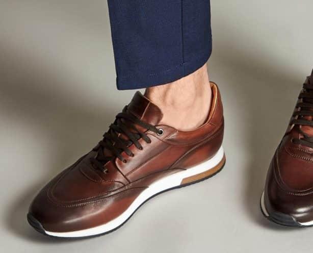 La Denis Shoes te poți alege de 600 de lei o pereche de încălțăminte formală și una sport