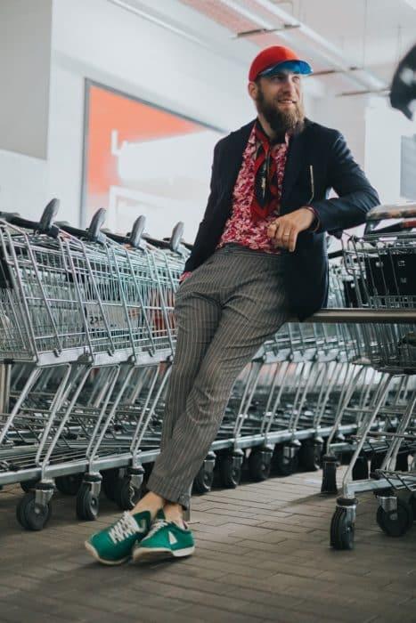 Ce promoții au magazinele de haine masculine în vara 2020