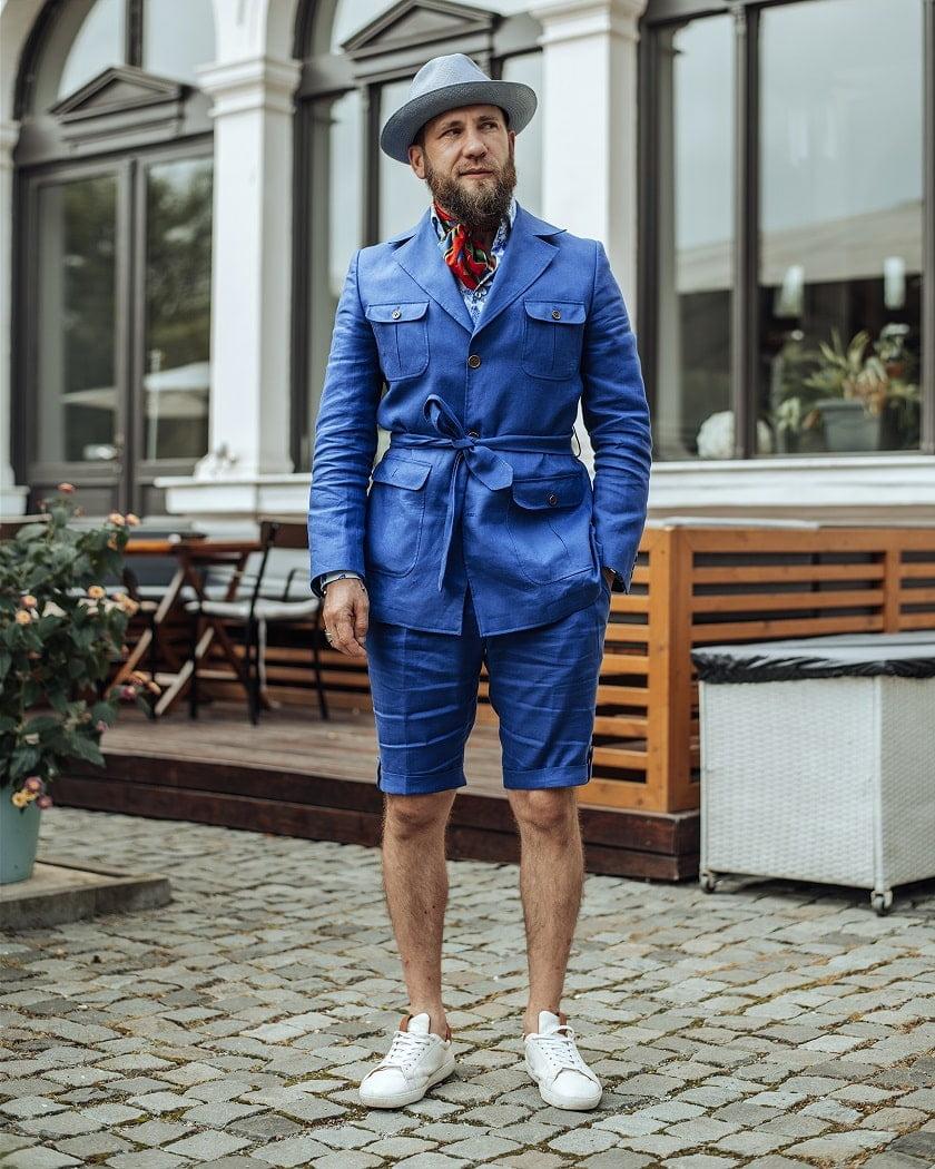 Costumul Safari, la comandă, Patrick Uomo cu pantaloni scurți